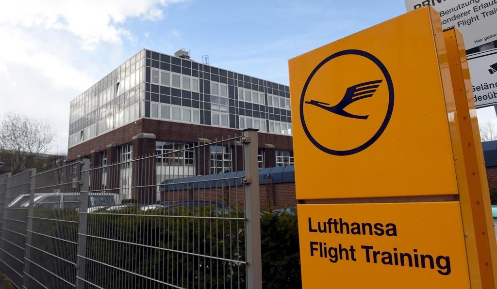 lufthansa-flight-training-school